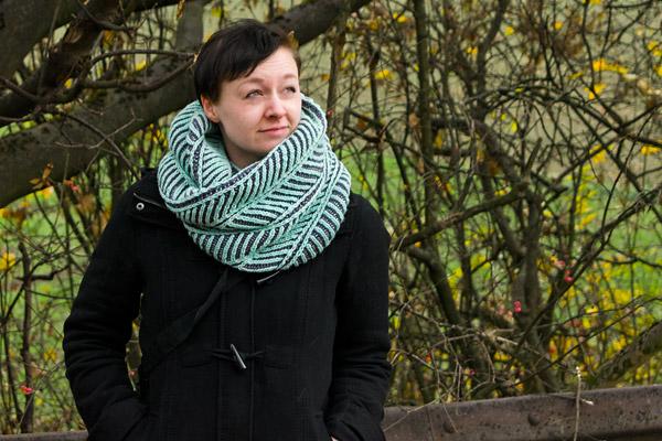 """Bild für Beitrag """"Ninas Briochevron Cowl"""" 2"""