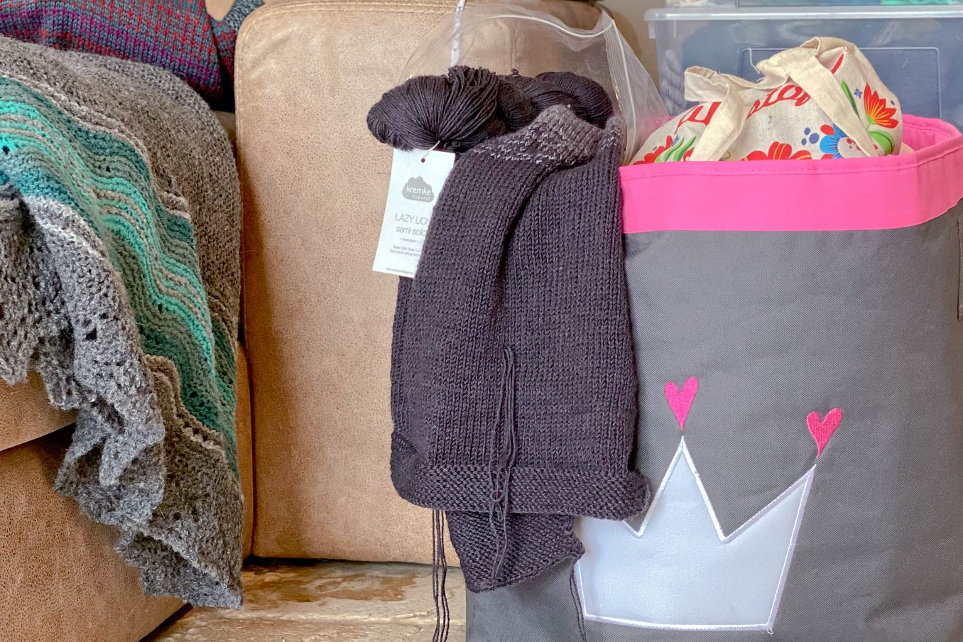 """Bild für Beitrag """"Dip Dye Sweater 2021"""" 3"""